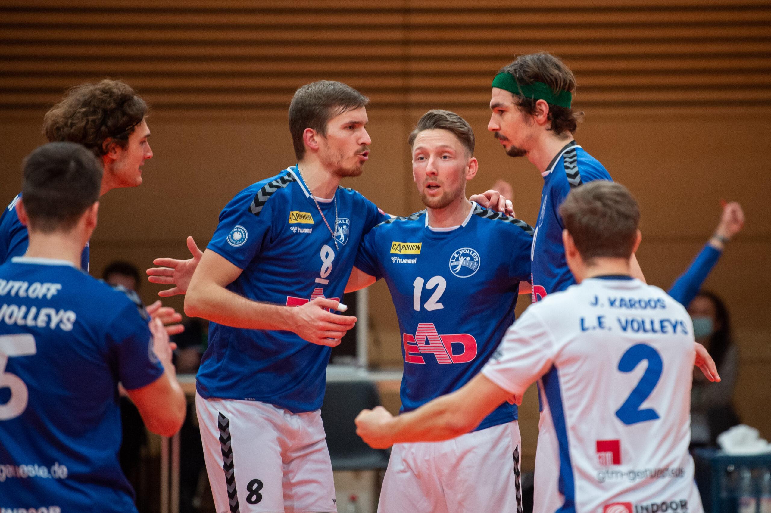 Henrik Kamphausen (Volleys #15), Chris Warsawski (Volleys #8), Martin  Burgartz (Volleys #12), Jannik KŸhlborn (Volleys #10)   L.E. Volleys Leipzig vs TSV Grafing, Volleyball, 2.Liga, 30.01.2021